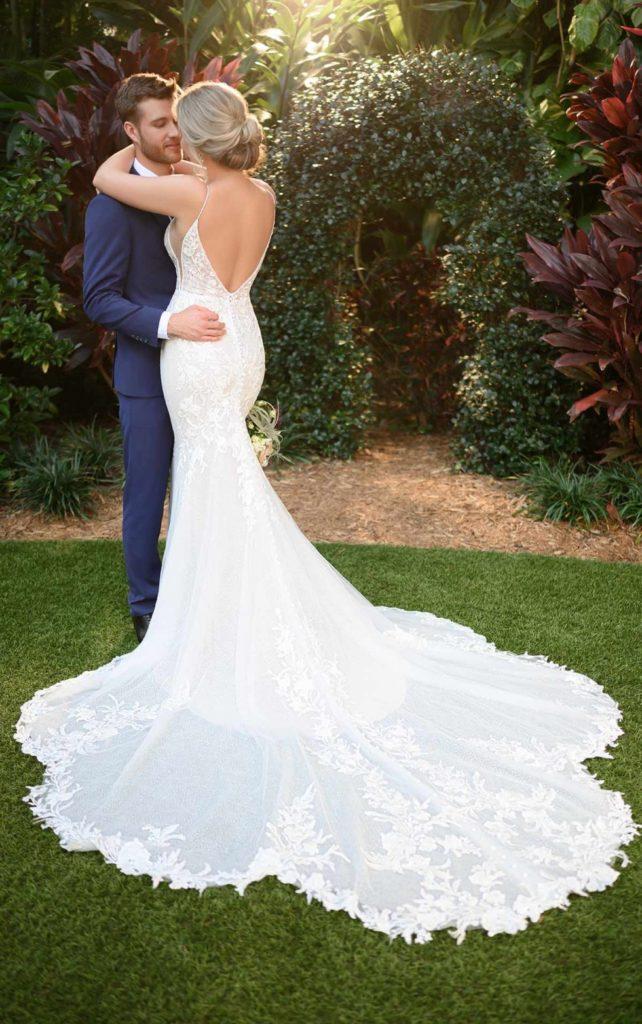 Brautkleid verziert